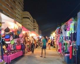 Thepprasit night market Pattaya