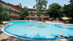 Pattaya garden resort Cheap hotels in Pattaya with swimming pools